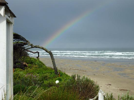 Cliff House Bed & Breakfast: Rainbow on the Beach
