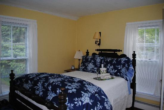 Applebutter Inn Bed and Breakfast: The Pippin Room