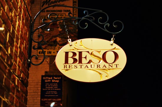 Beso sign