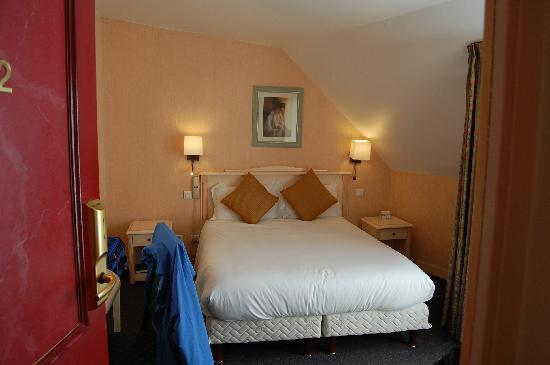 Hotel Louvre Sainte Anne: Our room for 2