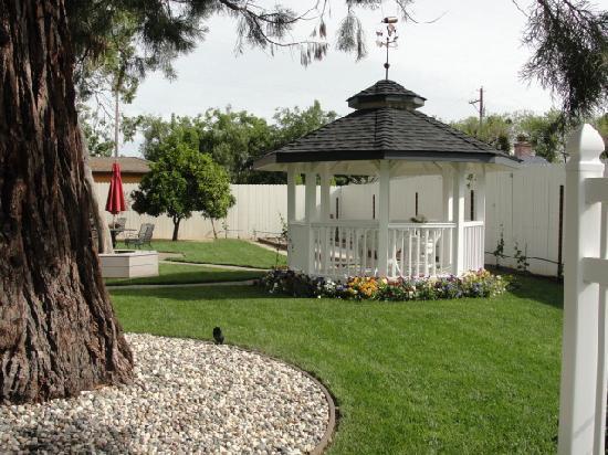 Arbor Guest House: Backyard Gazebo
