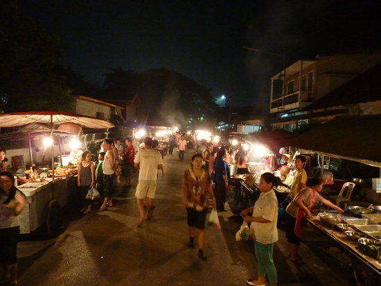 Night Food market: Phai Nam night market