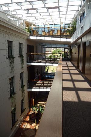 Daugirdas Hotel: Corridors