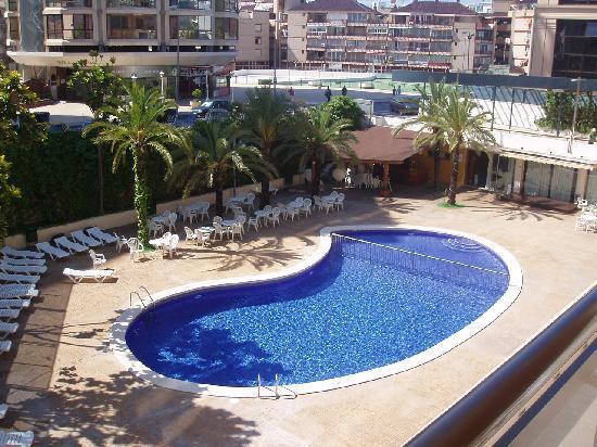 Agua Azul Hotel : La piscina desde nuestro balcón