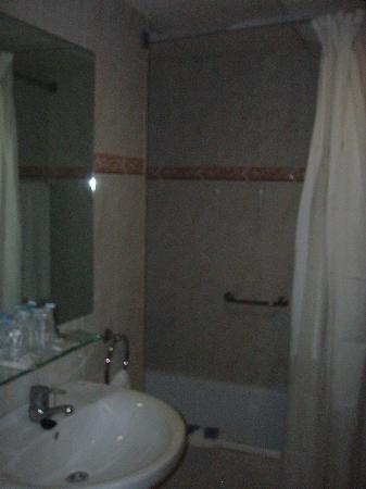 Agua Azul Hotel : el baño, chiquitito pero limpio