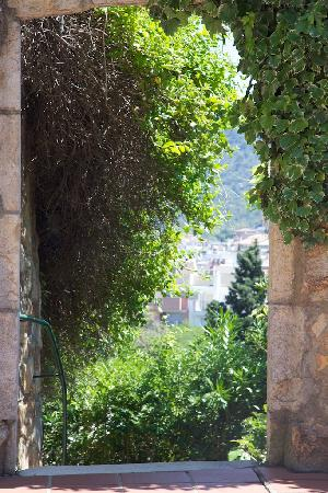GHT Hotel Neptuno : View from garden sunbathing terrace