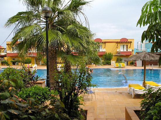 Lobosol Paradise Apartments : Blick auf den Pool