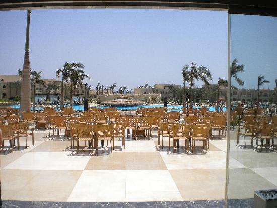Rixos Sharm El Sheikh: view from reception doors onto grounds