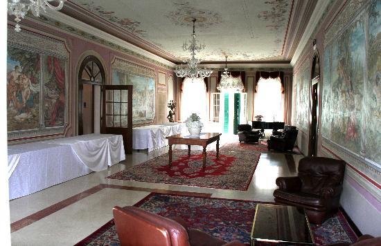 Villa Revedin: In einem der herrlichen Räume