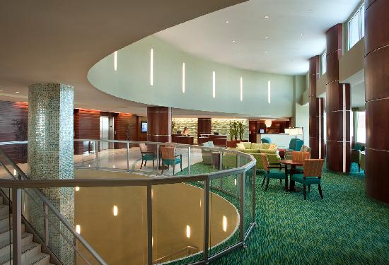 Miramar Condominiums: The beautiful lobby