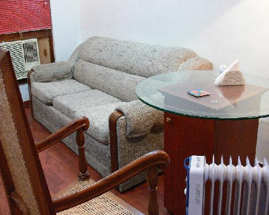 Petite Hotels: The Living Room In Emperor Petite Suite
