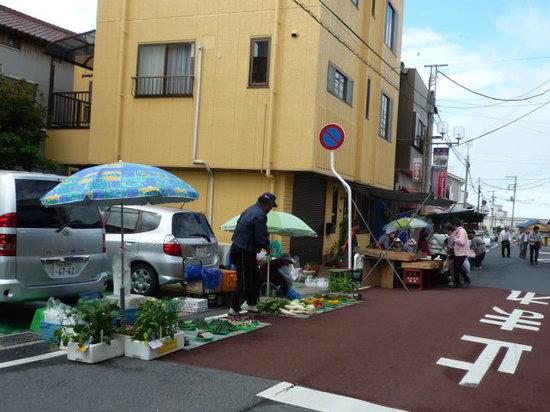 Katsuura, Japan: 朝市のお店