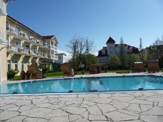 Travel Charme Ostseehotel Kuhlungsborn / Baltic Sea: Beiheiztes Freibad