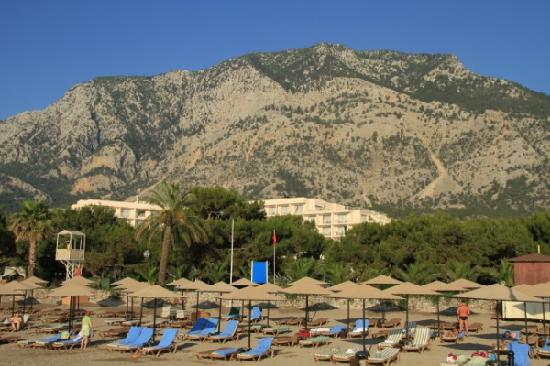 Rixos Beldibi: Hotel view from the beach. Check out the mountains behind