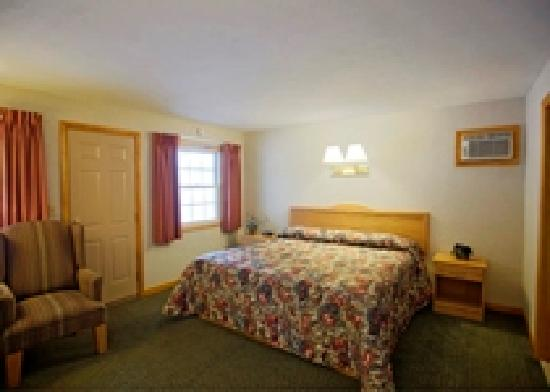 Americas Best Value Inn Lake George: Standard King Room