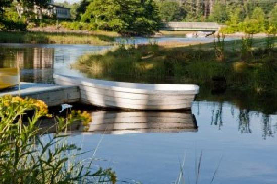 Paddle the Cove at The Cottages at Cabot Cove - Kennebunkport, Maine