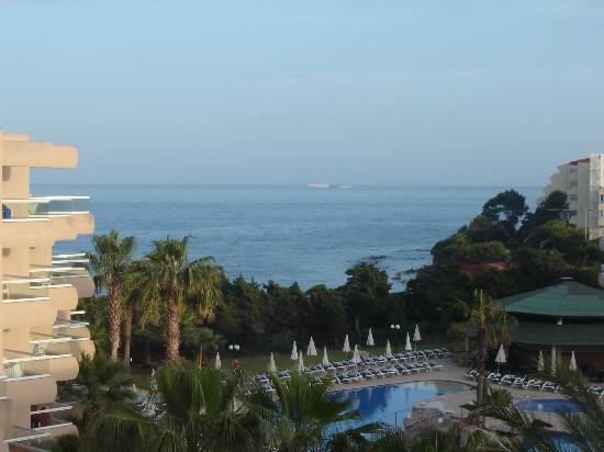 Tropic Garden Aparthotel: View from balcony-early evening