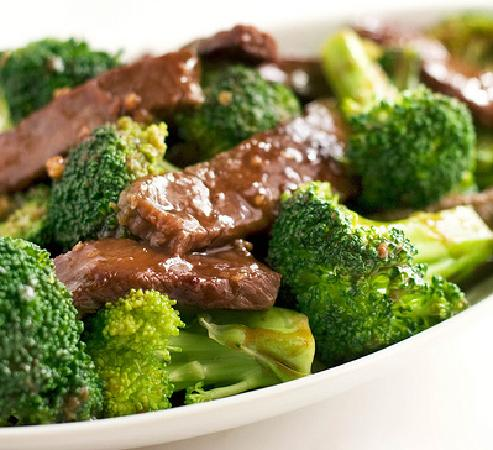 Dragon Bowl Restaurant : So succulent: The Beef and Broccoli dish