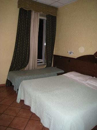 Hotel Tre Stelle : the room