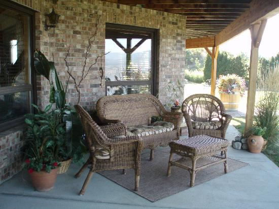 Sutherland Blueberry Bed & Breakfast: private sitting area on covered patio