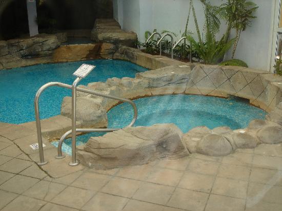 Playabonita hotel benalm dena costa del sol opiniones for Jacuzzi interior barato