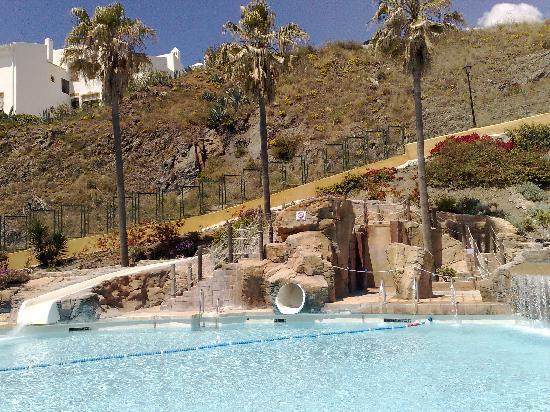 Playabonita Hotel: PISCINA EXTERIOR Y TOBOGANES