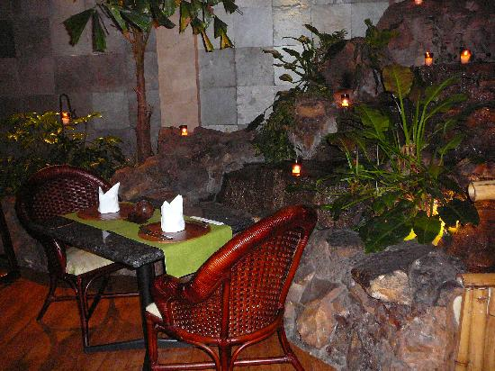 Grand Tikal Futura Hotel: Our table in the Asian restaurant