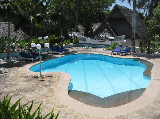 Kleiner Pool Mit Ganz Viel Ruhe Picture Of Kilifi Bay Beach Resort