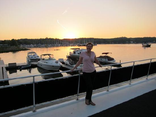 Sea Suites Boat & Breakfast: sunset on the top deck