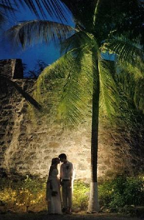 فورت ريكافري بيتشفرونت آند سويتس هوتل: Intimate and magical, let our historical 17th Century Dutch fort, oldest fully-in tact fort in t