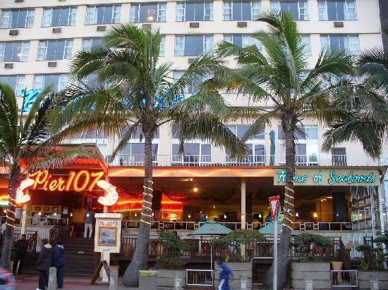 Gooderson Beach Hotel: Frontseite