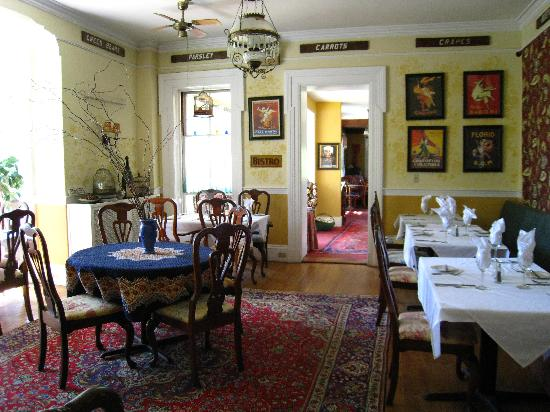 Parker House Inn and Bistro : Casual dining area