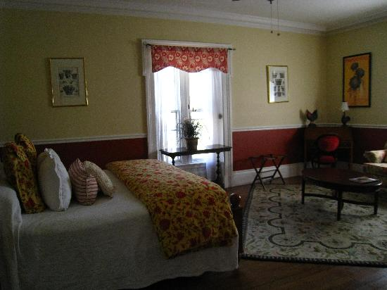 Parker House Inn and Restaurant: Bedroom