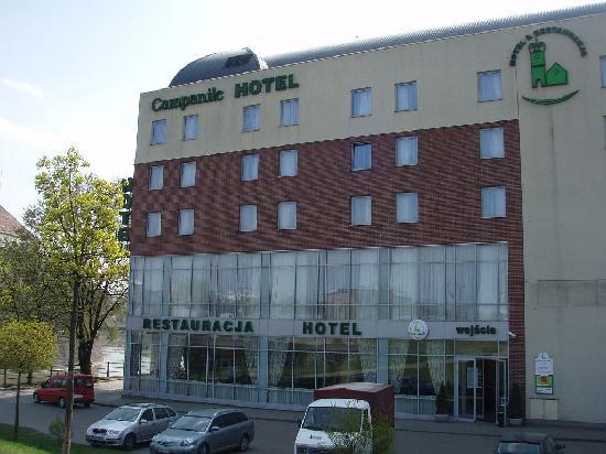 Campanile Hotel - Old Town: außen