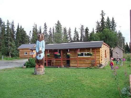 Sleepy Bear Cabins: Our Sleepy Bear totem