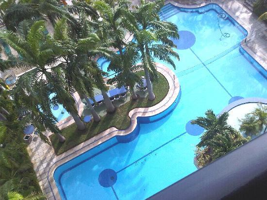 Hotel Ole Caribe: Piscina del Hotel Vista desde mi habitacion