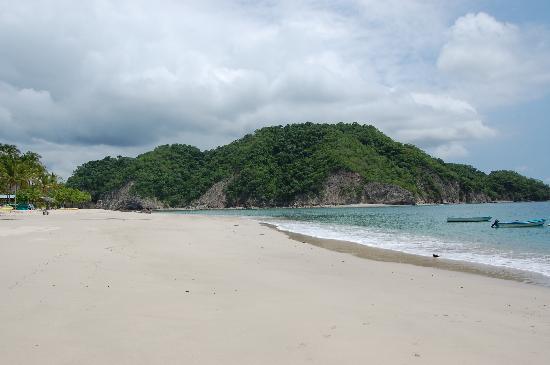 Tortuga Island: gorgeous near-private beach
