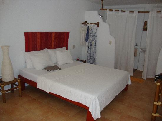 Artista Beach Villas: room 6