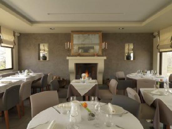 Restaurant du Lac: Restuarant du Lac - dining room