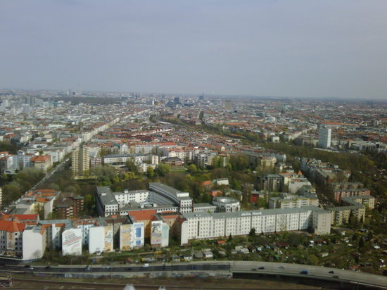 Berliner Funkturm: Blick in Richtung Fernsehturm