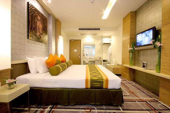 Racha Thewa, Thailandia: Contemporary Room