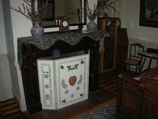 Amherst Inn: The fireplace