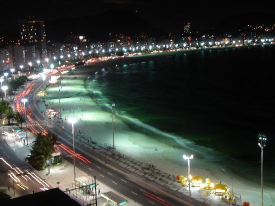 Orla Copacabana Hotel: from room at night