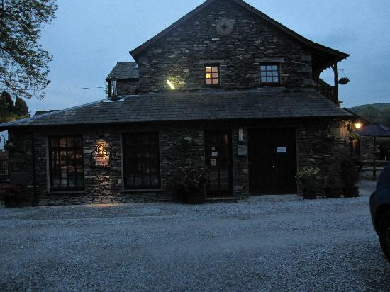 Meadowcroft Country Guest House: The Water Mill local pub