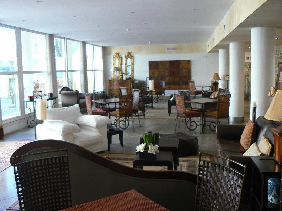 Solar Do Castelo: Coffee Area and Lounge
