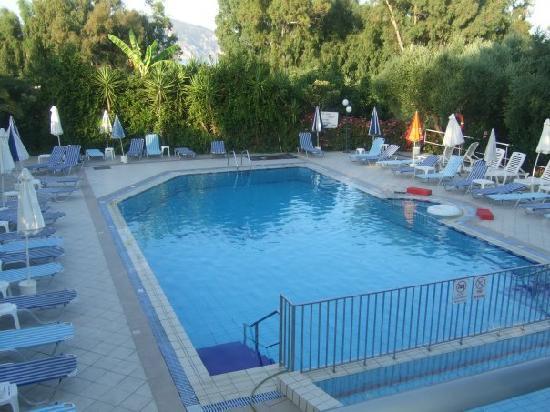 Castelli Hotel: the gorgeous pool