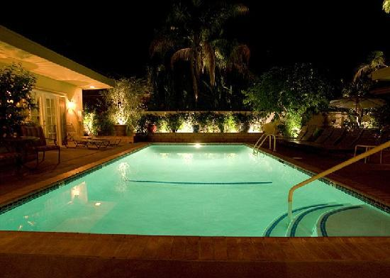 Old Ranch Inn: Night Poolside