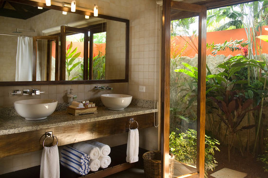 Rio Celeste Hideaway Hotel: Rio Celeste Private Bathroom with Hot Water