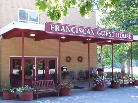 Franciscan Guest House : Main Entrance to hotel