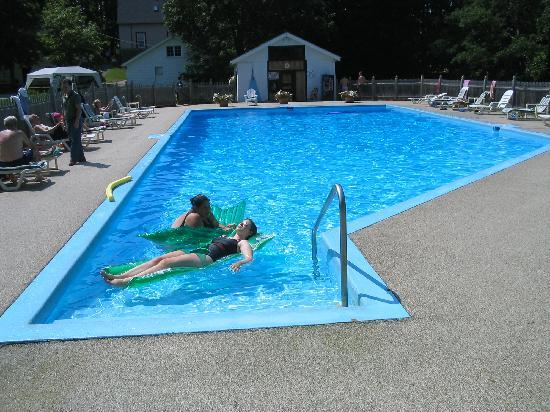 Franciscan Guest House: Outdoor Saltwater Pool